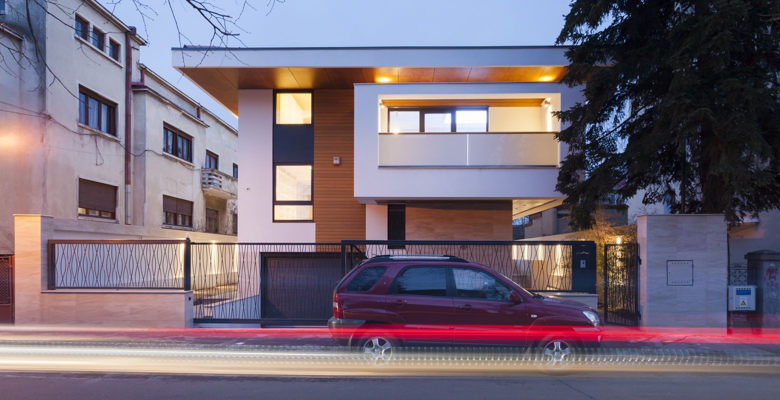https://nbc-arhitect.ro/wp-content/uploads/2020/10/NBC-ARHITECT-_-housing-_-Sandu-Aldea-House-Villa-_-exterior-view-_-facade.jpg