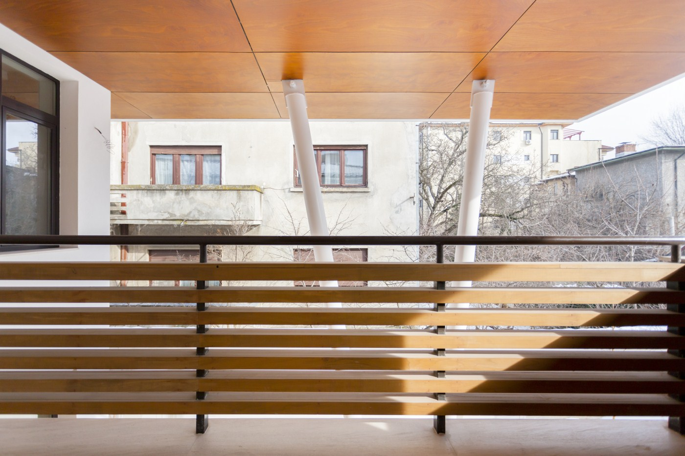 https://nbc-arhitect.ro/wp-content/uploads/2020/10/NBC-ARHITECT-_-housing-_-Sandu-Aldea-House-Villa-_-exterior-view-_-terrace_2.jpg