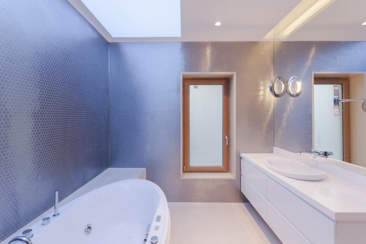 https://nbc-arhitect.ro/wp-content/uploads/2020/10/NBC-ARHITECT-_-housing-_-Sandu-Aldea-House-Villa-_-interior-view-_-bathroom_4.jpg