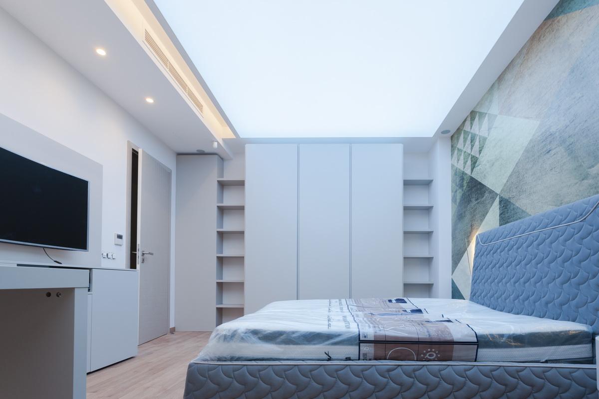 https://nbc-arhitect.ro/wp-content/uploads/2020/10/NBC-ARHITECT-_-housing-_-Sandu-Aldea-House-Villa-_-interior-view-_-bedroom_2.jpg