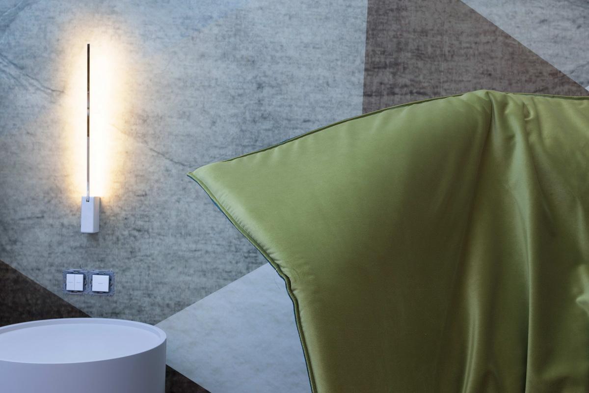 https://nbc-arhitect.ro/wp-content/uploads/2020/10/NBC-ARHITECT-_-housing-_-Sandu-Aldea-House-Villa-_-interior-view-_-bedroom_4.jpg