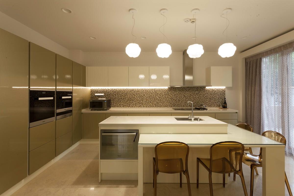 https://nbc-arhitect.ro/wp-content/uploads/2020/10/NBC-ARHITECT-_-housing-_-Sandu-Aldea-House-Villa-_-interior-view-_-kitchen_1.jpg