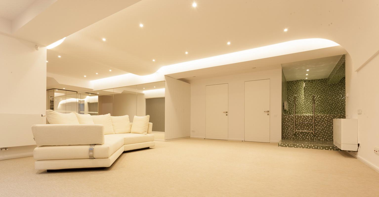 https://nbc-arhitect.ro/wp-content/uploads/2020/10/NBC-ARHITECT-_-housing-_-Sandu-Aldea-House-Villa-_-interior-view_3.jpg