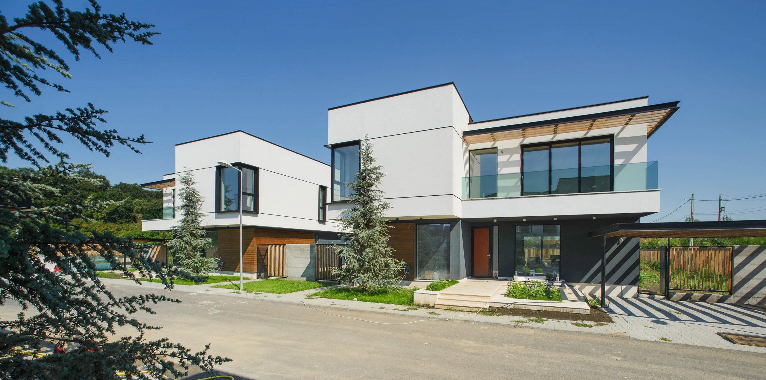 https://nbc-arhitect.ro/wp-content/uploads/2020/10/NBC-Arhitect-_-Arcstil_Residence-_-Romania-_-exterior-view_3-scaled.jpg