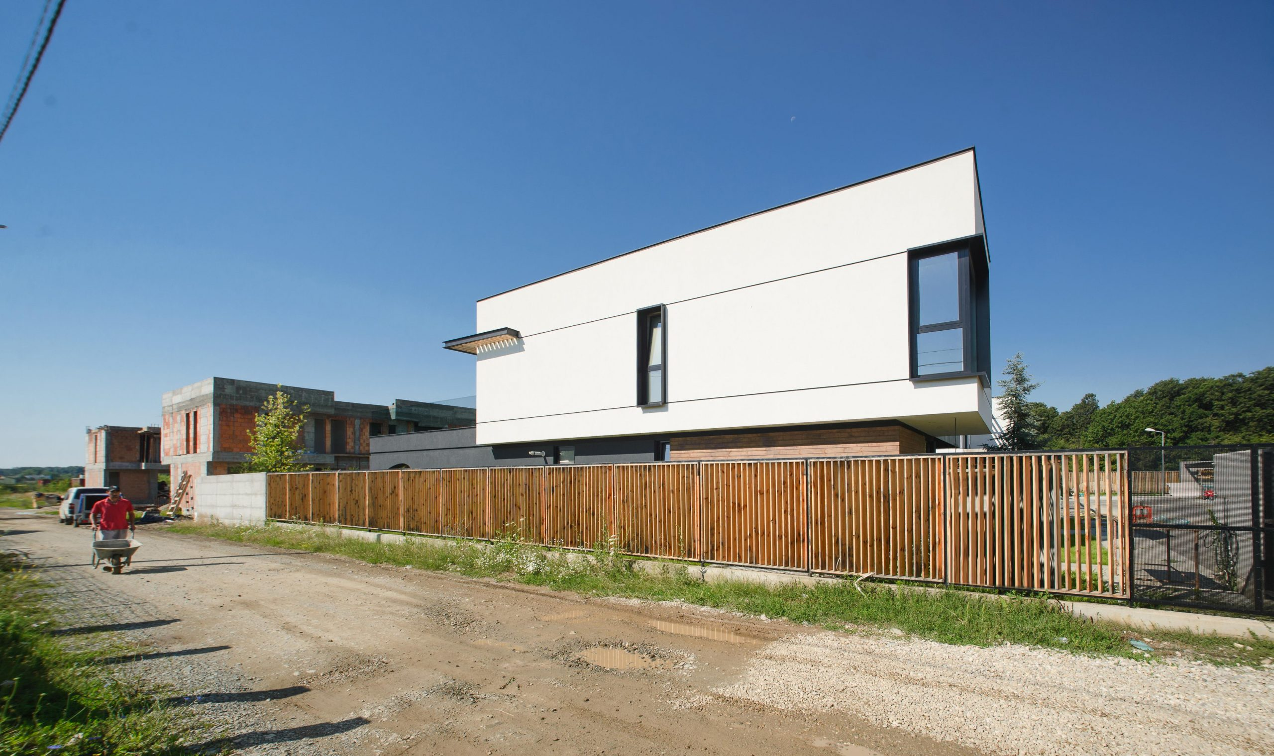 https://nbc-arhitect.ro/wp-content/uploads/2020/10/NBC-Arhitect-_-Arcstil_Residence-_-Romania-_-exterior-view_7-scaled.jpg