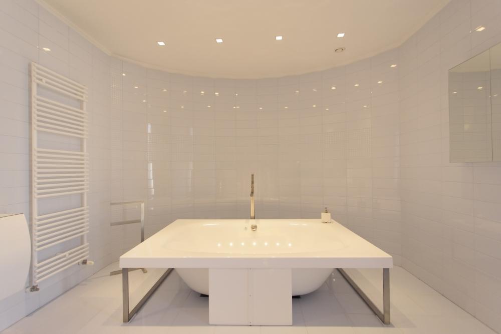 https://nbc-arhitect.ro/wp-content/uploads/2020/10/NBC-Arhitect-_-Cube-House-_-Bucharest-Romania-_-interior-view-bathroom.jpg