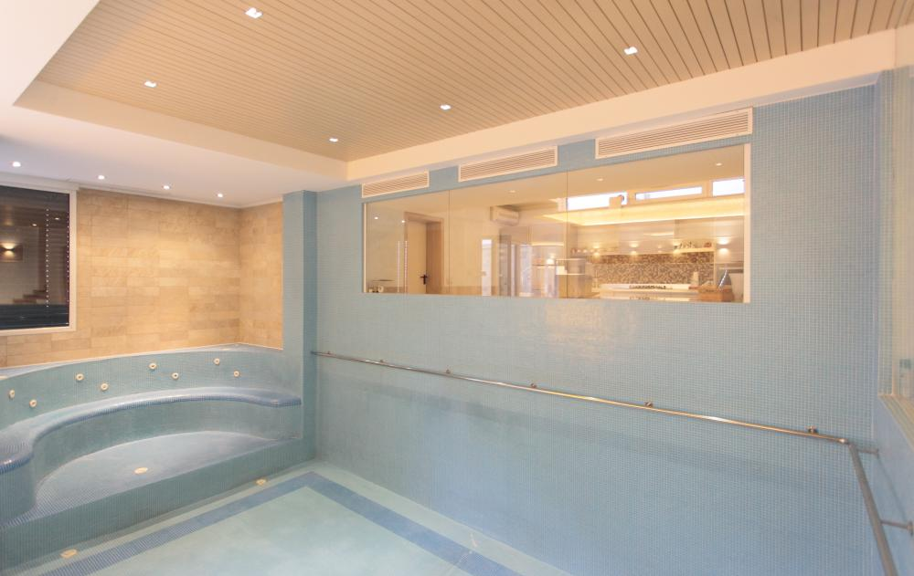 https://nbc-arhitect.ro/wp-content/uploads/2020/10/NBC-Arhitect-_-Cube-House-_-Bucharest-Romania-_-interior-view-bathroom_14.jpg