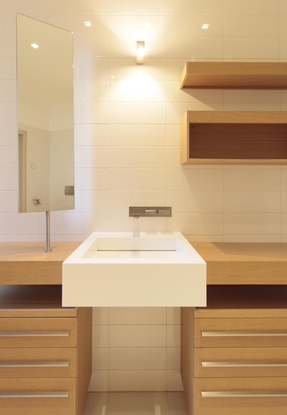https://nbc-arhitect.ro/wp-content/uploads/2020/10/NBC-Arhitect-_-Cube-House-_-Bucharest-Romania-_-interior-view-bathroom_8.jpg