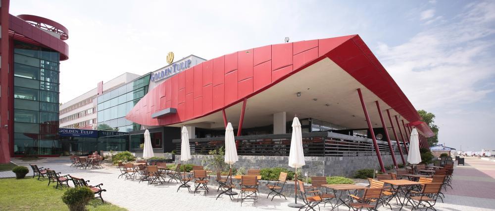 https://nbc-arhitect.ro/wp-content/uploads/2020/10/NBC-Arhitect-_-Golden-Tulip-Hotel-_-Mamaia-Romania-_-exterior_view-1.jpg