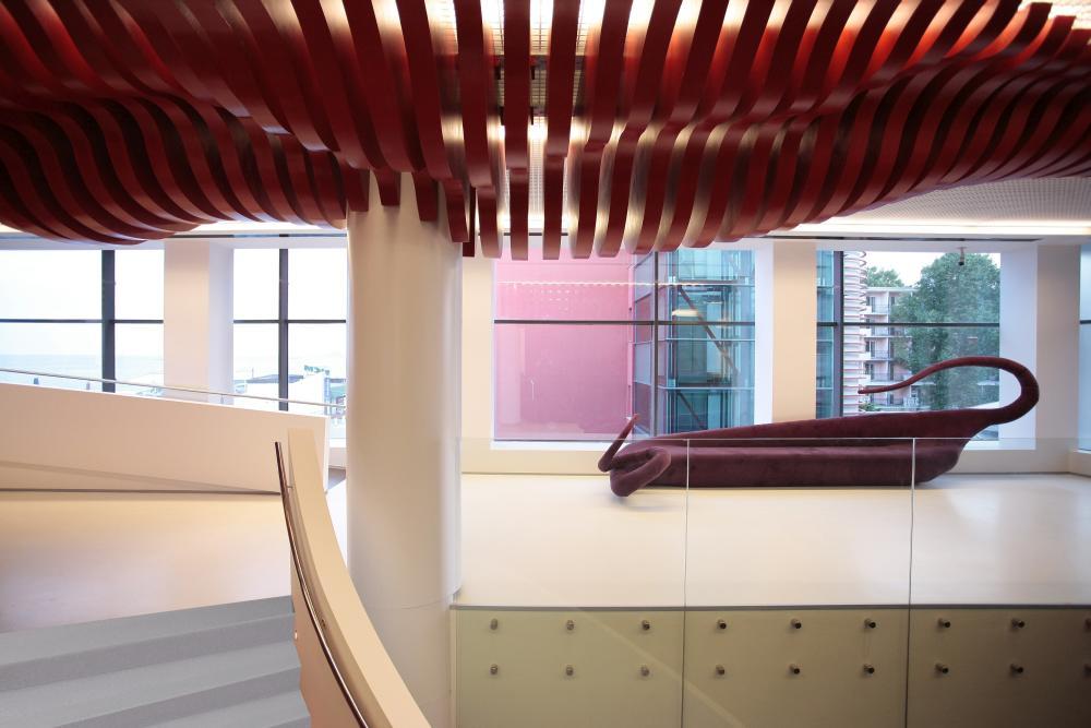 https://nbc-arhitect.ro/wp-content/uploads/2020/10/NBC-Arhitect-_-Golden-Tulip-Hotel-_-Mamaia-Romania-_-interior-view-1.jpg