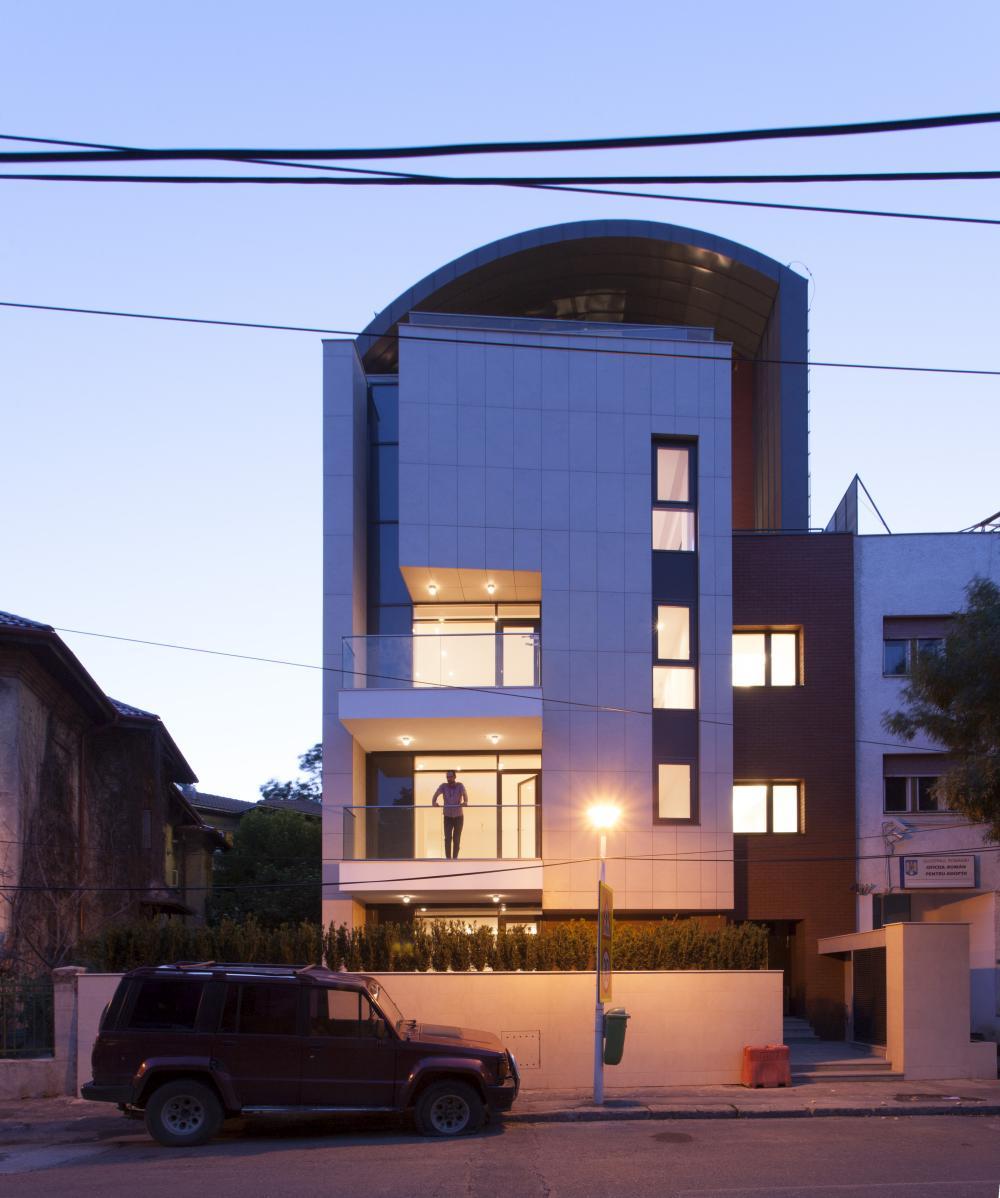 https://nbc-arhitect.ro/wp-content/uploads/2020/10/NBC-Arhitect-_-Petofi-Sandor-_-Housing-_-exterior_1.jpg