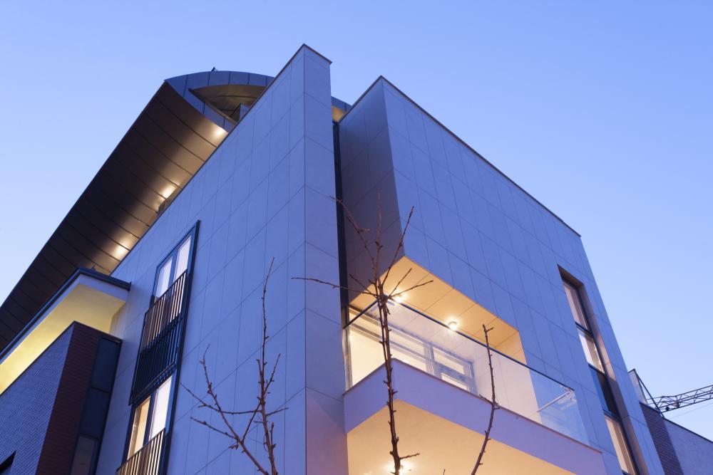 https://nbc-arhitect.ro/wp-content/uploads/2020/10/NBC-Arhitect-_-Petofi-Sandor-_-Housing-_-exterior_3.jpg