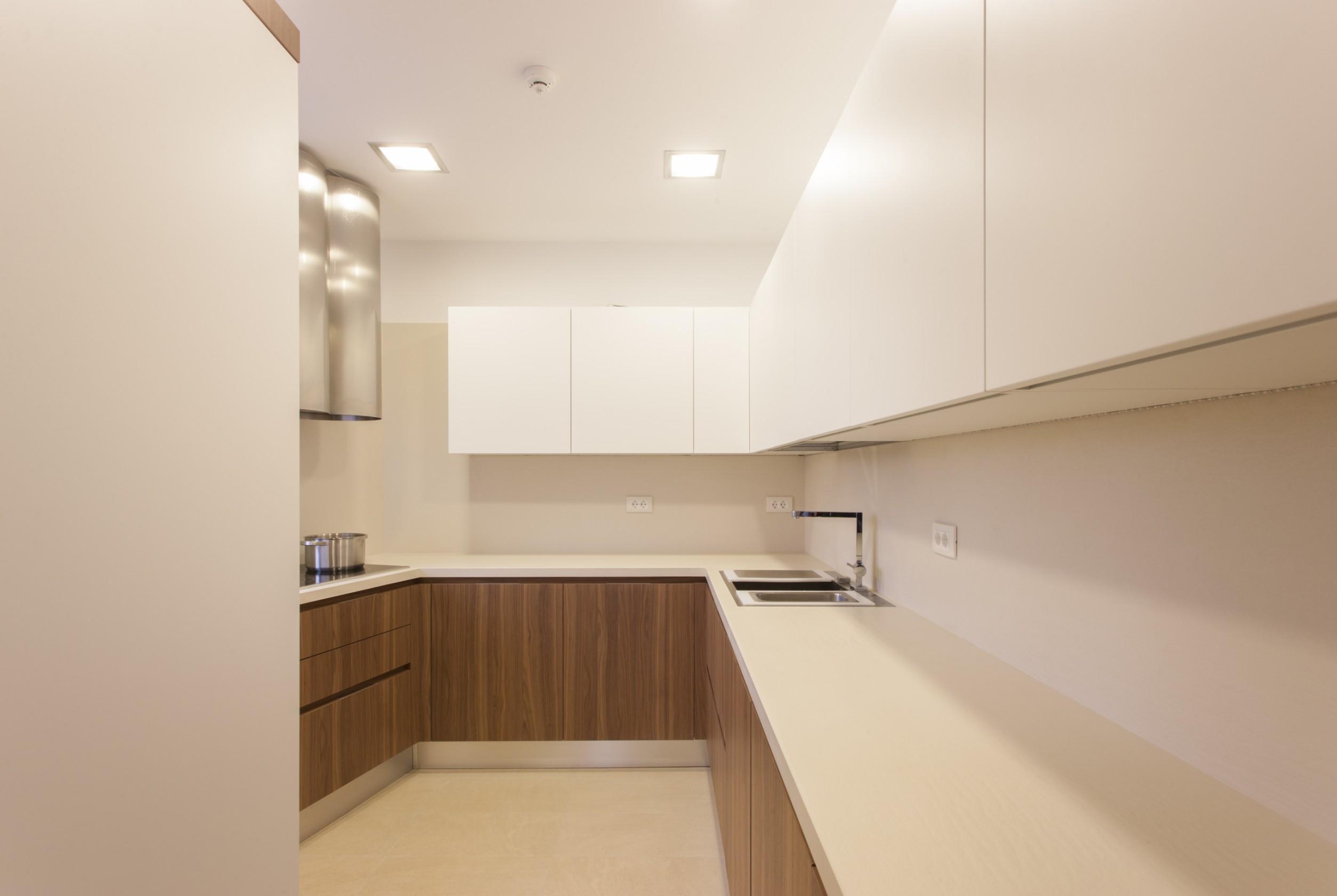 https://nbc-arhitect.ro/wp-content/uploads/2020/10/NBC-Arhitect-_-Petofi-Sandor-_-Housing-_-interior-design-_-kitchen_1.jpg