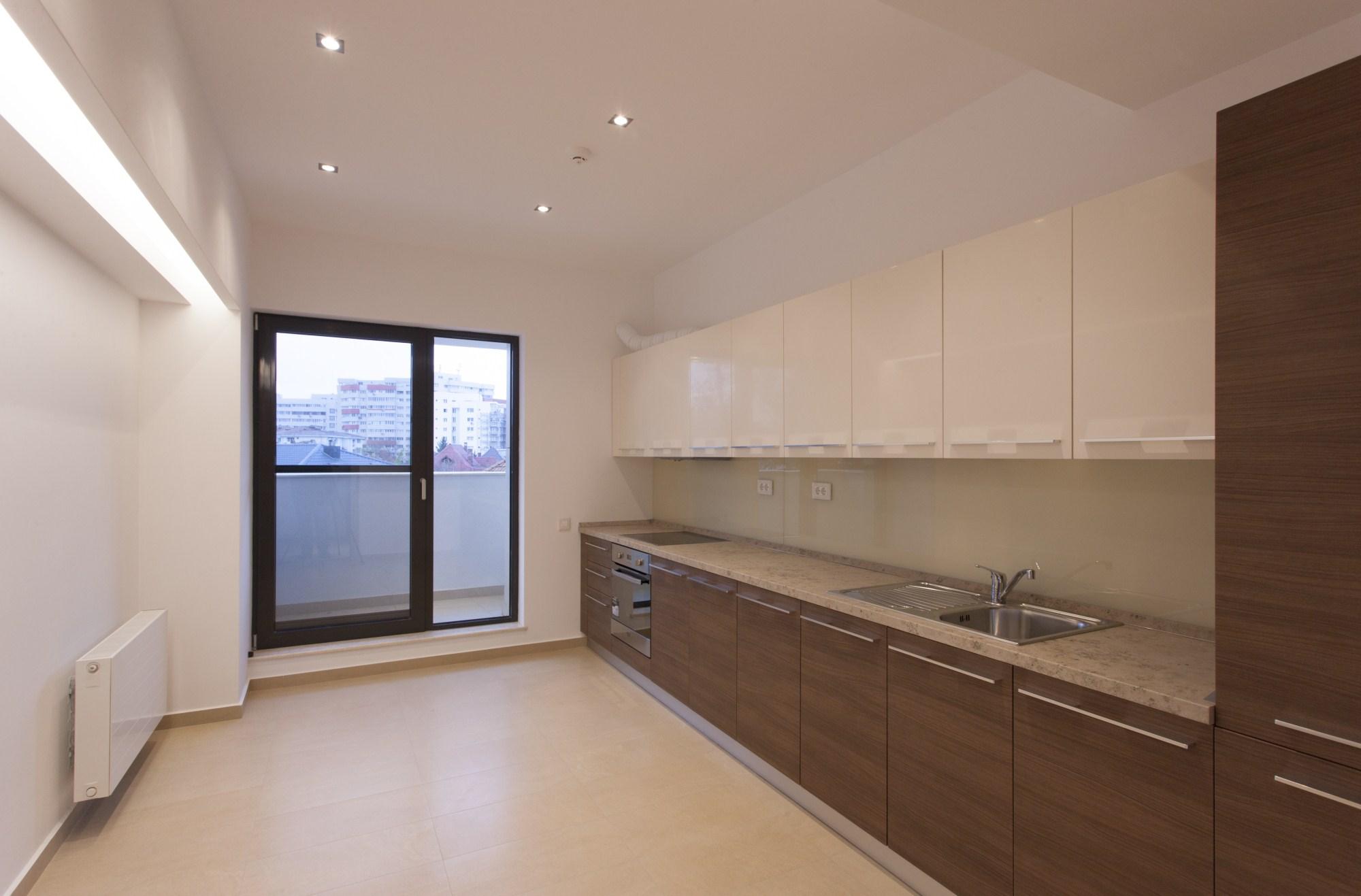 https://nbc-arhitect.ro/wp-content/uploads/2020/10/NBC-Arhitect-_-Petofi-Sandor-_-Housing-_-interior-design-_-kitchen_3.jpg