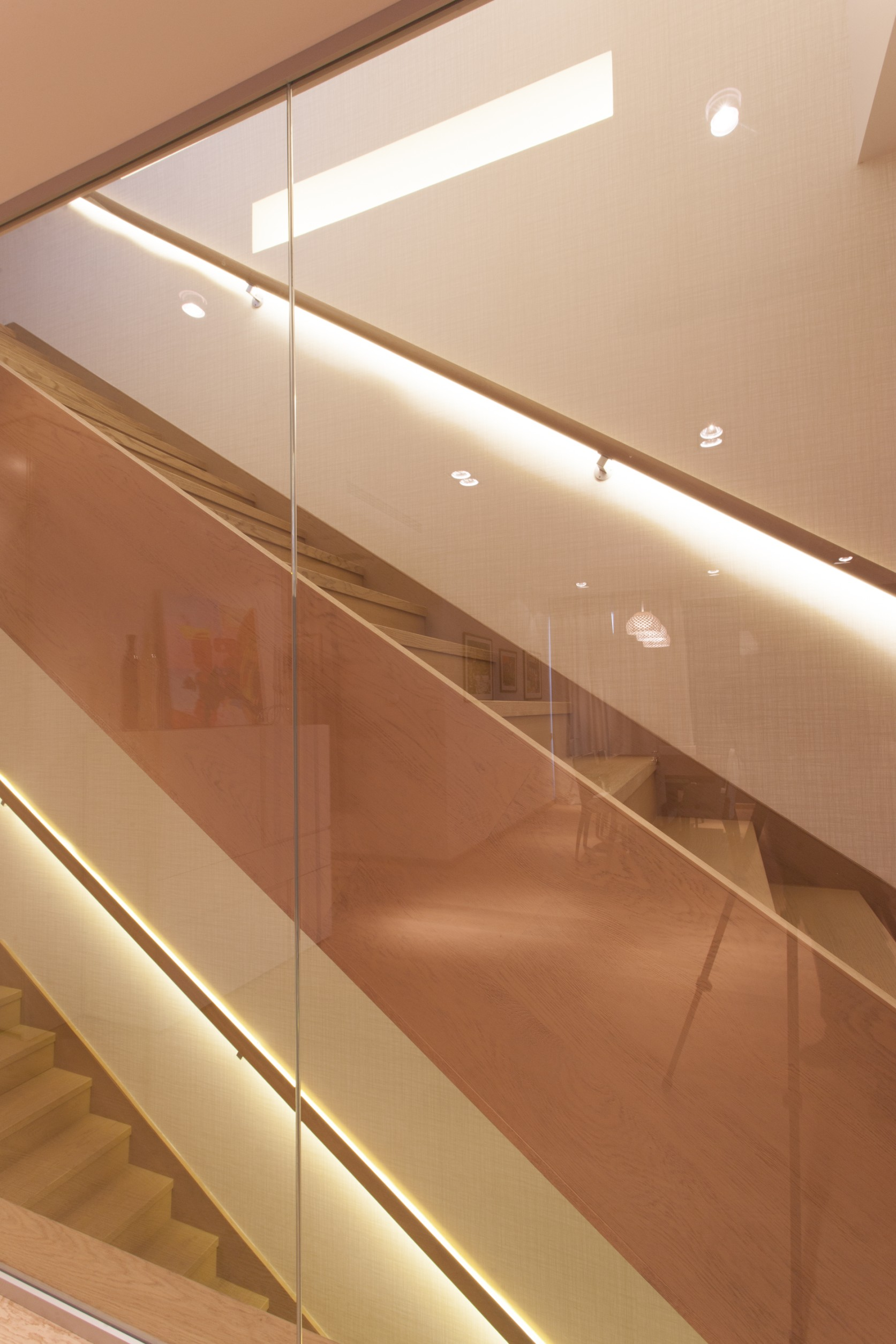 https://nbc-arhitect.ro/wp-content/uploads/2020/10/NBC-Arhitect-_-Petofi-Sandor-_-Housing-_-interior-design_stairs_6.jpg