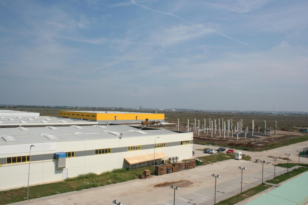 https://nbc-arhitect.ro/wp-content/uploads/2020/10/NBC-Arhitect-_-industrial-architecture-_-Cefin-Logistics-Park-_-Romania_1.jpg