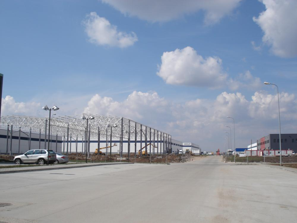 https://nbc-arhitect.ro/wp-content/uploads/2020/10/NBC-Arhitect-_-industrial-architecture-_-Cefin-Logistics-Park-_-Romania_3.jpg