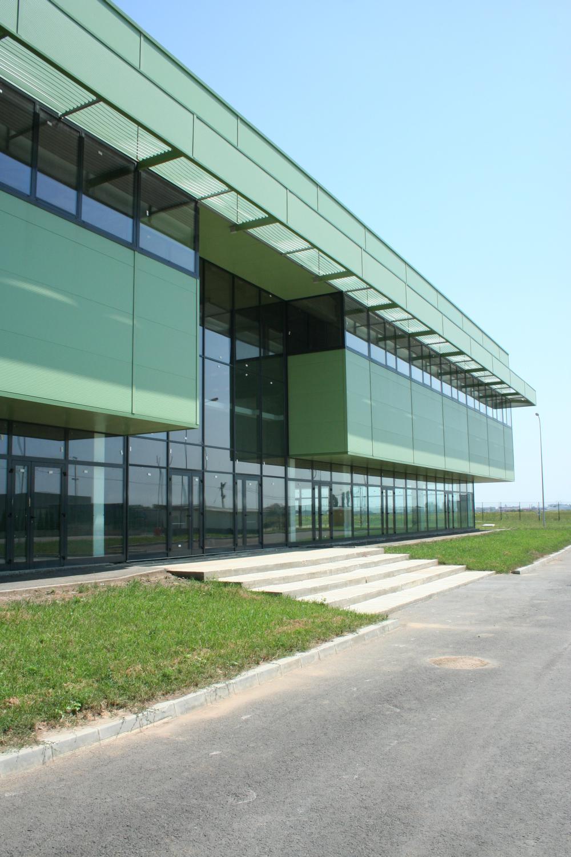 https://nbc-arhitect.ro/wp-content/uploads/2020/10/NBC-Arhitect-_-industrial-architecture-_-Logistic-Center-N-_-Romania_3.jpg