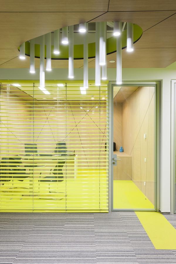 https://nbc-arhitect.ro/wp-content/uploads/2020/10/NBC-Arhitect-_-interior-design-_-HQ-Mega-Image-_-Bucharest-Romania_3.jpg