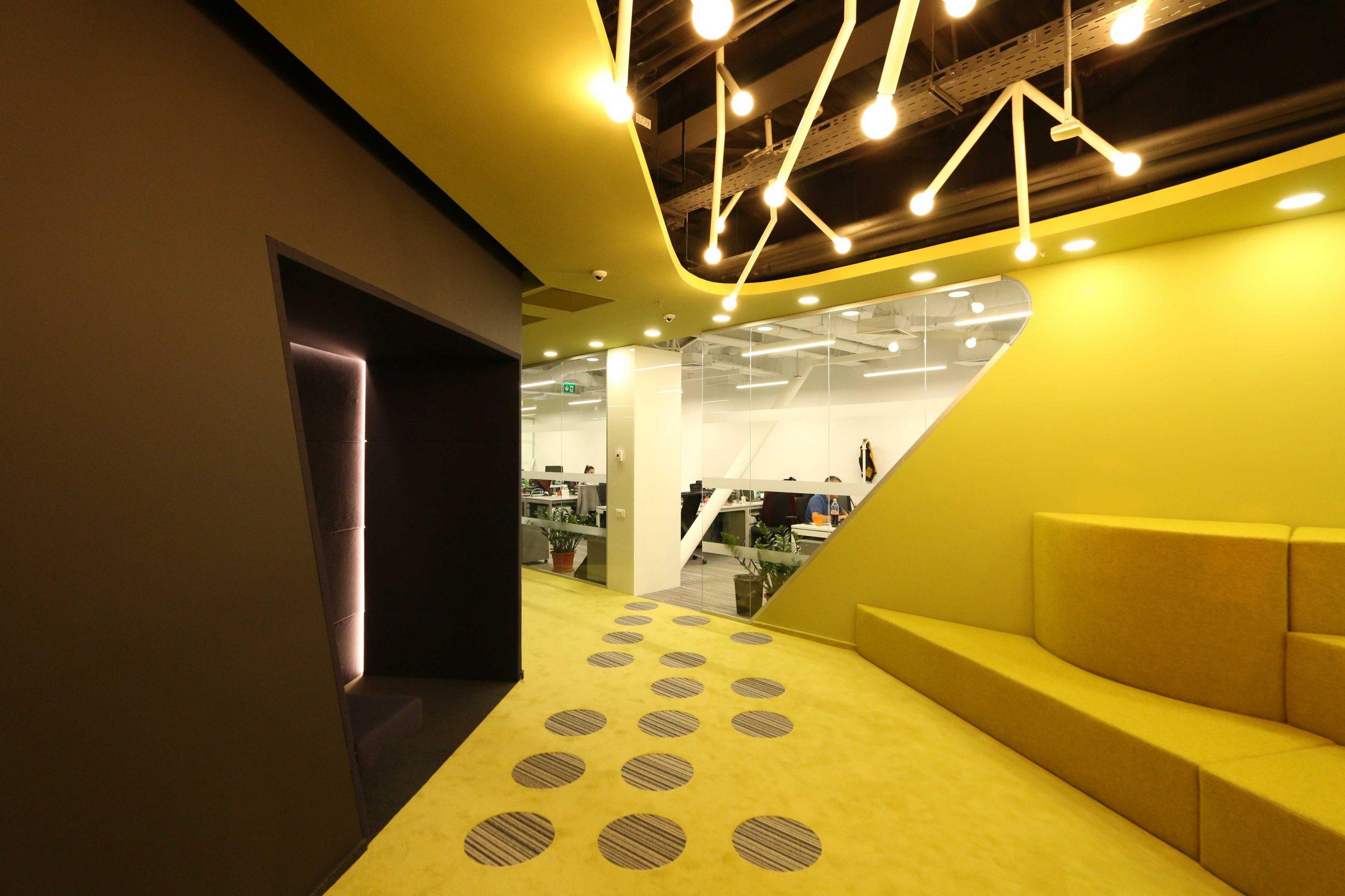 https://nbc-arhitect.ro/wp-content/uploads/2020/10/NBC-Arhitect-_-interiors-_-HQ-Mega-Image-_-Romania-_-interior-design-view_13-scaled.jpg