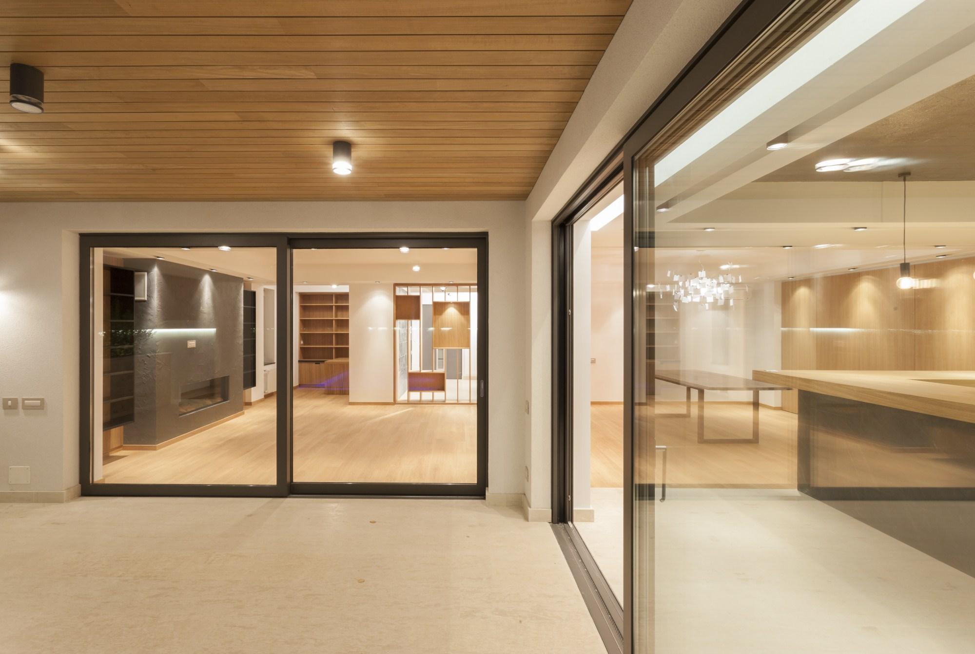 https://nbc-arhitect.ro/wp-content/uploads/2020/10/NBC-Arhitect-_-interiors-_-Vila-Pipera-_-Bucharest-Romania-_-interior-design-view_6.jpg