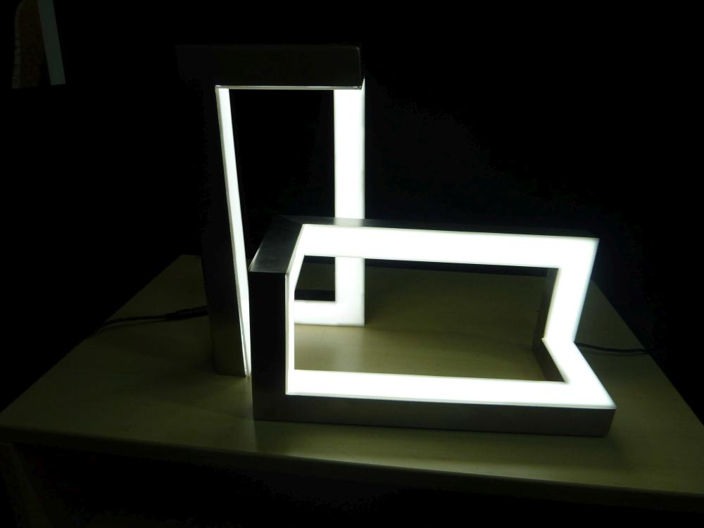 https://nbc-arhitect.ro/wp-content/uploads/2020/10/NBC-Arhitect-_-product-design-_-frame-lamp-_-Romania_9.jpg