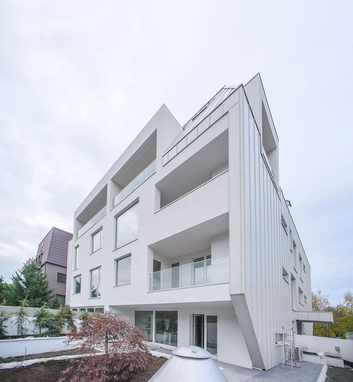 https://nbc-arhitect.ro/wp-content/uploads/2020/10/NBC-Arhitect-_-residential-_-Duplex-Forest-Residence-_-Romania_14.jpg