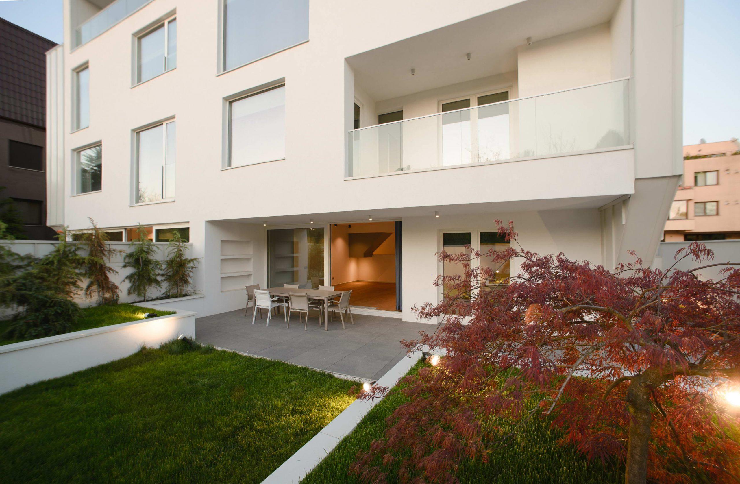 https://nbc-arhitect.ro/wp-content/uploads/2020/10/NBC-Arhitect-_-residential-_-Duplex-Forest-Residence-_-Romania_29-scaled.jpg