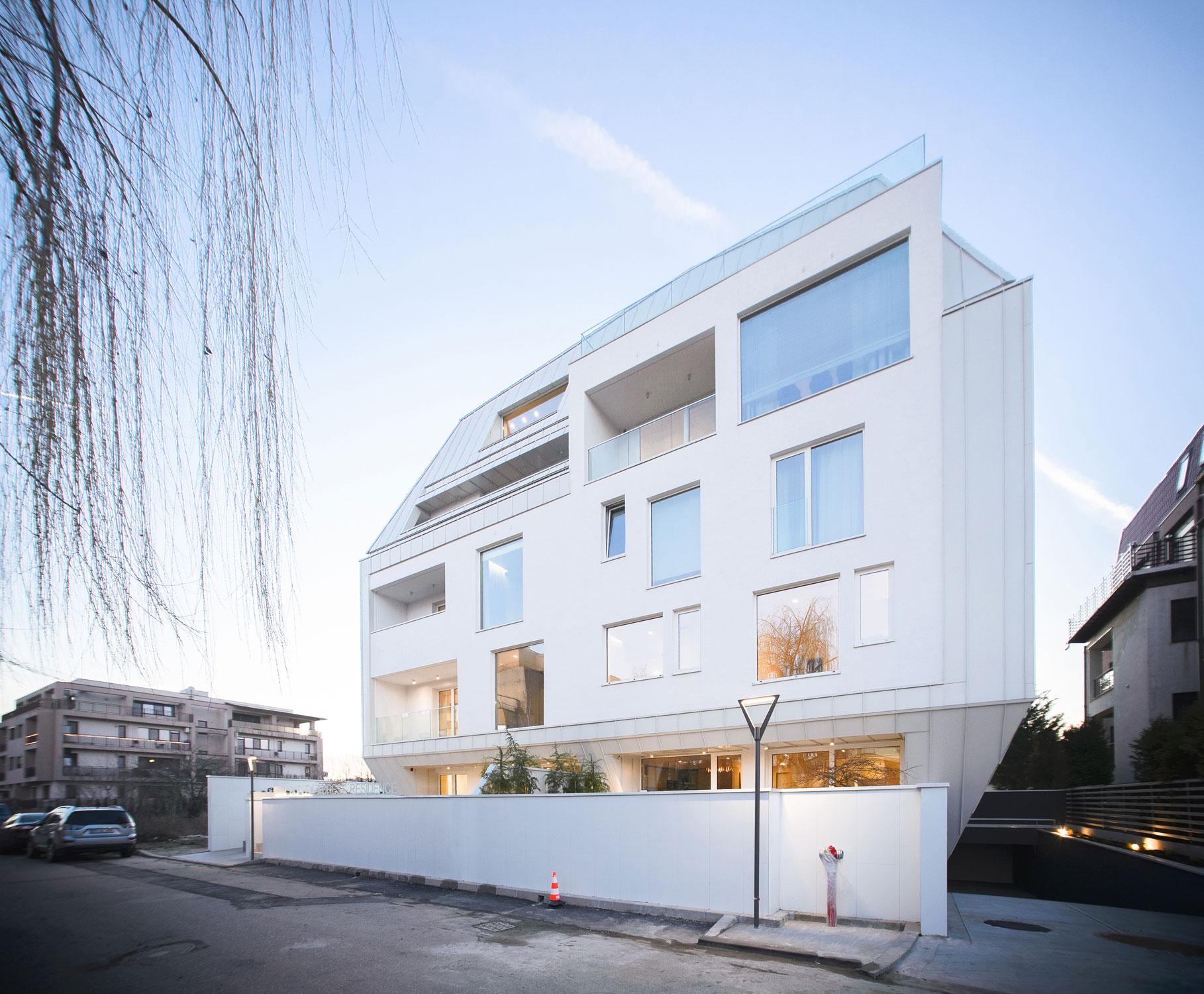 https://nbc-arhitect.ro/wp-content/uploads/2020/10/NBC-Arhitect-_-residential-_-Duplex-Forest-Residence-_-Romania_43.jpg