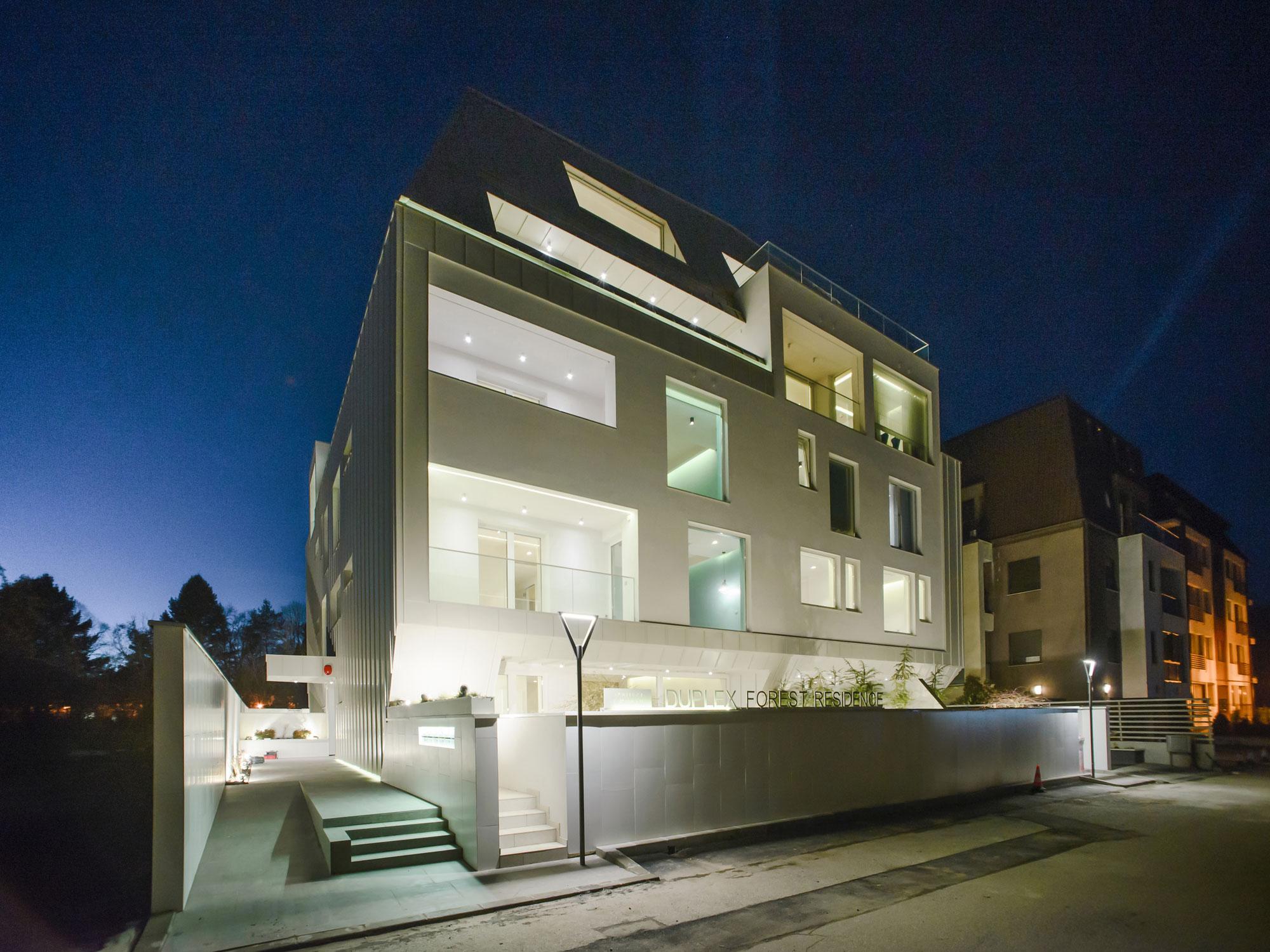 https://nbc-arhitect.ro/wp-content/uploads/2020/10/NBC-Arhitect-_-residential-_-Duplex-Forest-Residence-_-Romania_46.jpg