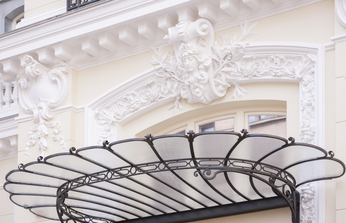 https://nbc-arhitect.ro/wp-content/uploads/2020/10/NBC-Arhitect-_-restorations-_-Sfintilor-House-_-Romania_10.jpg