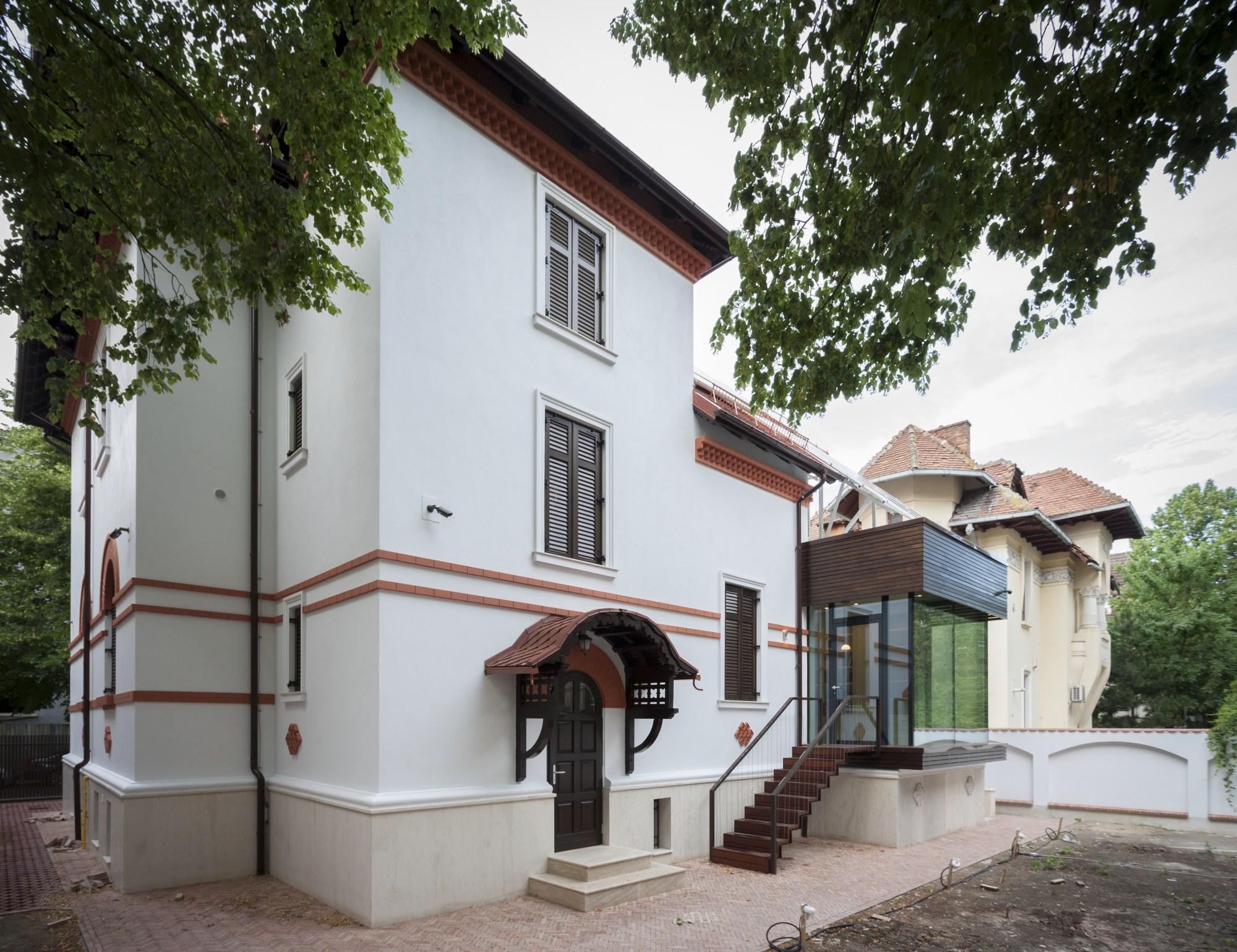 https://nbc-arhitect.ro/wp-content/uploads/2020/10/NBC-Arhitect-_-restorations-_-Washington-House-_-Bucharest-Romania_48.jpg