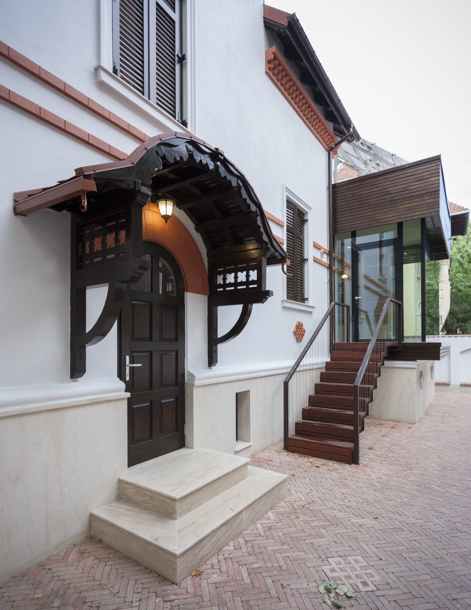 https://nbc-arhitect.ro/wp-content/uploads/2020/10/NBC-Arhitect-_-restorations-_-Washington-House-_-Bucharest-Romania_52.jpg