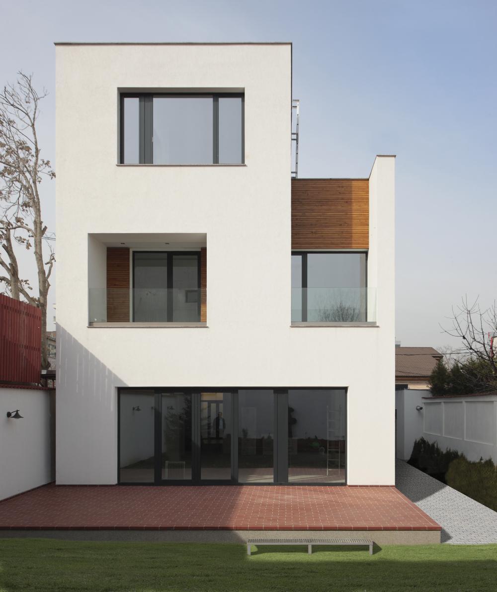 https://nbc-arhitect.ro/wp-content/uploads/2020/11/NBC-ARHITECT-_-residential-_-Mibe-House-_-exterior-view_2.jpg