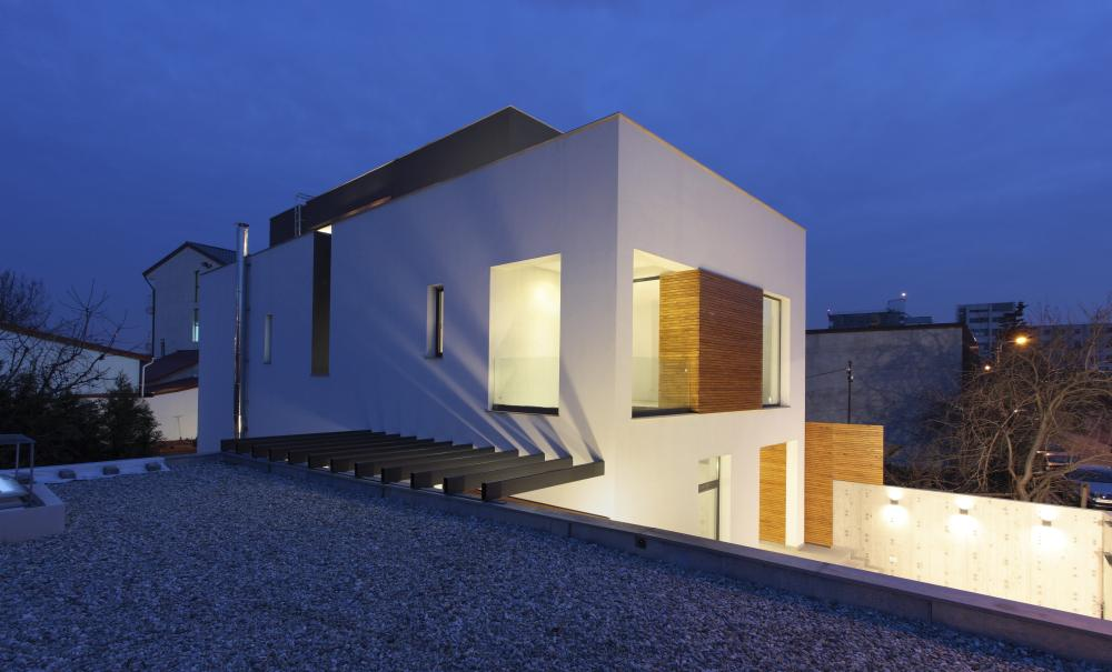 https://nbc-arhitect.ro/wp-content/uploads/2020/11/NBC-ARHITECT-_-residential-_-Mibe-House-_-exterior-view_6.jpg