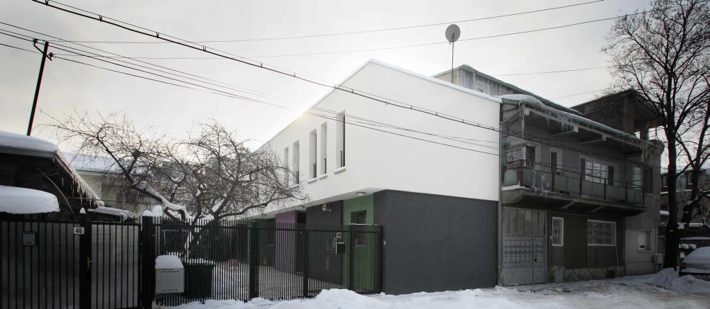 https://nbc-arhitect.ro/wp-content/uploads/2020/11/NBC-ARHITECT-_-residential-_-Miki-House_3.jpg