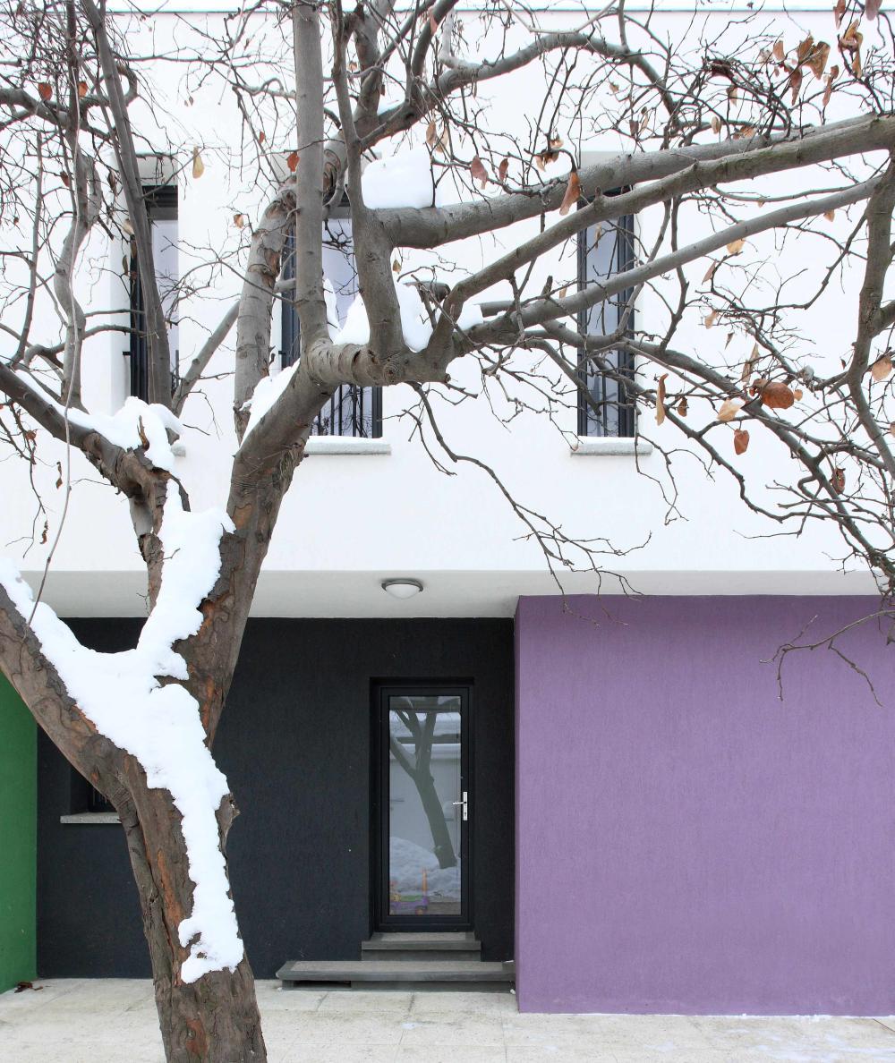 https://nbc-arhitect.ro/wp-content/uploads/2020/11/NBC-ARHITECT-_-residential-_-Miki-House_master-photo-2.jpg