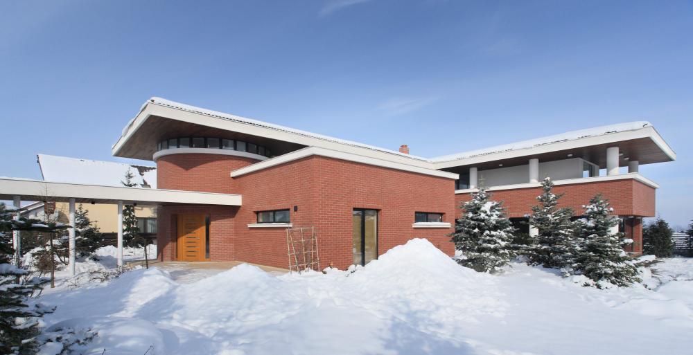 https://nbc-arhitect.ro/wp-content/uploads/2020/11/NBC-ARHITECT-_-residential-_-Tudor-House-_-Romania_39.jpg