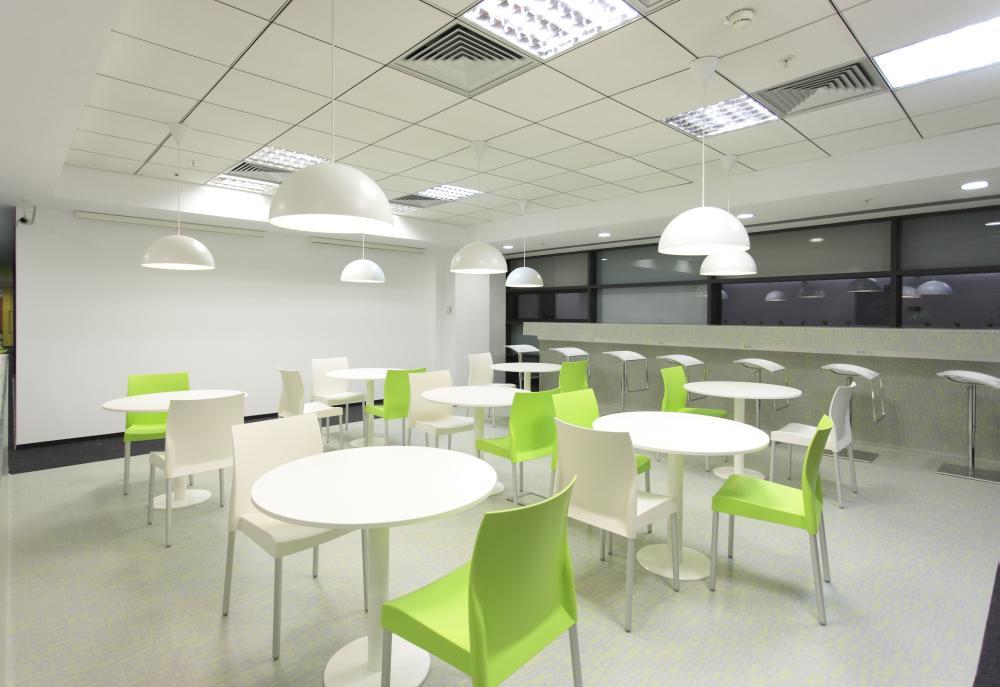 https://nbc-arhitect.ro/wp-content/uploads/2020/11/NBC-Arhitect-_-interior-design-_-Ericsson-_-Romania_10.jpg