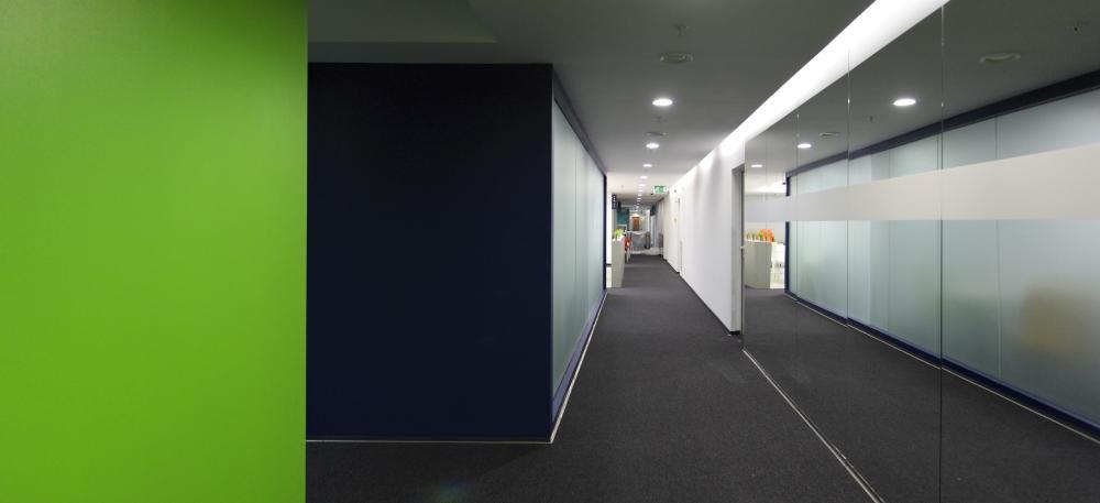 https://nbc-arhitect.ro/wp-content/uploads/2020/11/NBC-Arhitect-_-interior-design-_-Ericsson-_-Romania_12.jpg