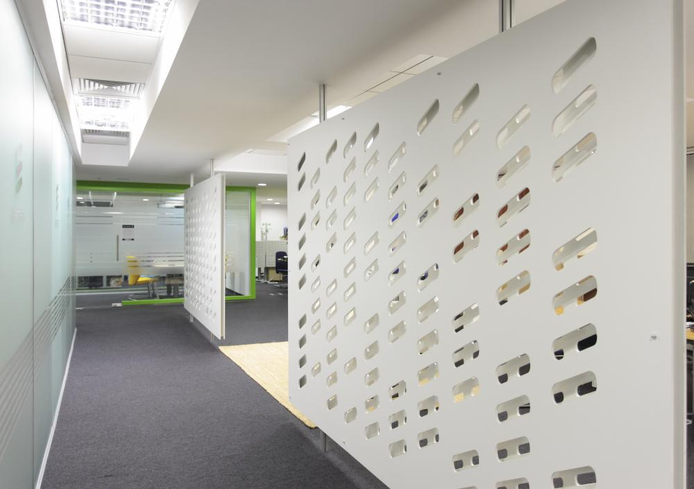 https://nbc-arhitect.ro/wp-content/uploads/2020/11/NBC-Arhitect-_-interior-design-_-Ericsson-_-Romania_13.jpg