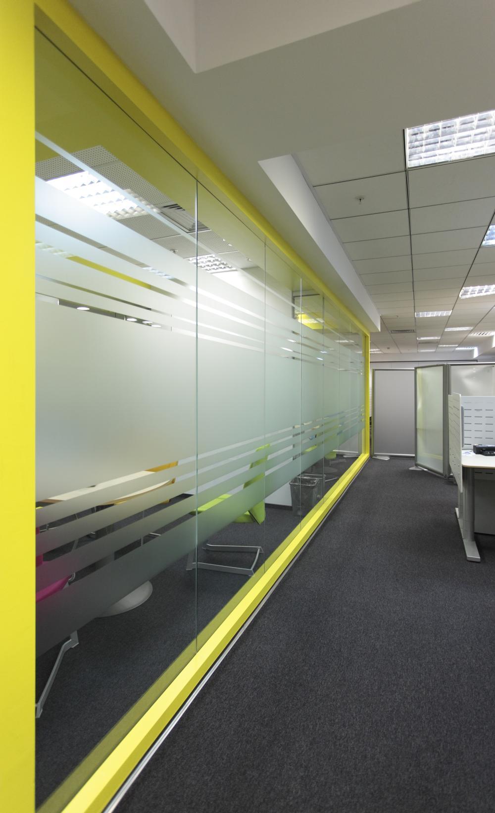 https://nbc-arhitect.ro/wp-content/uploads/2020/11/NBC-Arhitect-_-interior-design-_-Ericsson-_-Romania_4.jpg