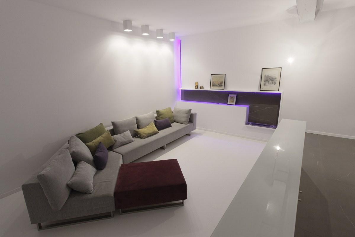 https://nbc-arhitect.ro/wp-content/uploads/2020/11/NBC-Arhitect-_-interior-design-_-Magenta-House-_-Romania_10.jpg