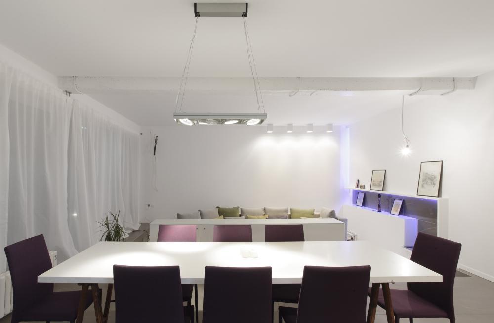 https://nbc-arhitect.ro/wp-content/uploads/2020/11/NBC-Arhitect-_-interior-design-_-Magenta-House-_-Romania_11.jpg