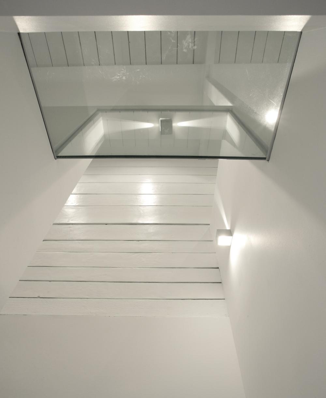 https://nbc-arhitect.ro/wp-content/uploads/2020/11/NBC-Arhitect-_-interior-design-_-Magenta-House-_-Romania_master-photo.jpg