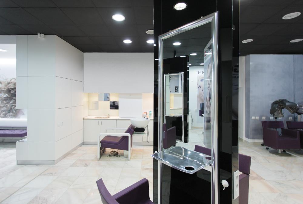 https://nbc-arhitect.ro/wp-content/uploads/2020/11/NBC-Arhitect-_-interior-design-_-Mona-Lisa-Beauty-Salon-_-Romania_1.jpg