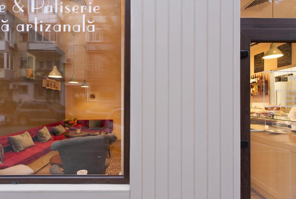 https://nbc-arhitect.ro/wp-content/uploads/2020/11/NBC-Arhitect-_-interior-design-_-Pain-Plaisir-Bakery-_-Romania_6.jpg