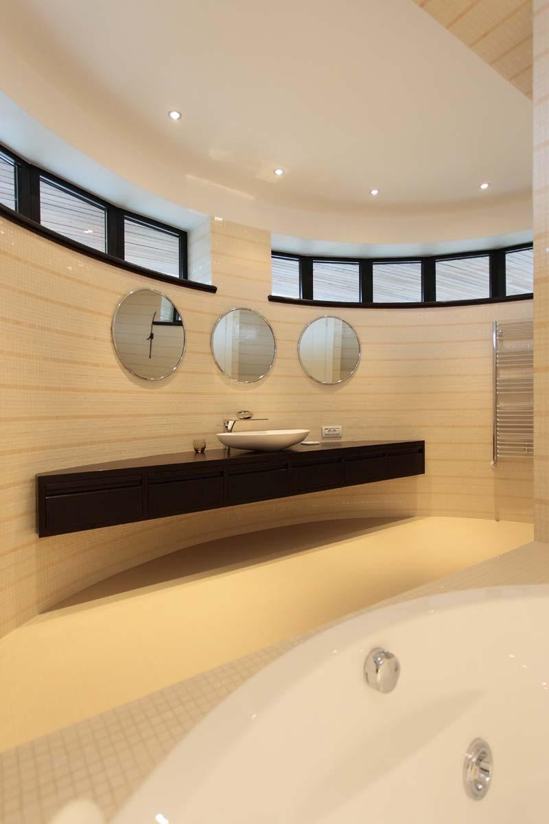 https://nbc-arhitect.ro/wp-content/uploads/2020/11/NBC-Arhitect-_-interior-design-_-Tudor-House-Interior-_-Romania_12.jpg