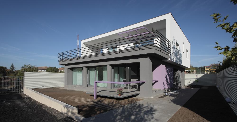 https://nbc-arhitect.ro/wp-content/uploads/2020/11/NBC-Arhitect-_-residences-_-Magenta-House-_-exterior-view_10.jpg