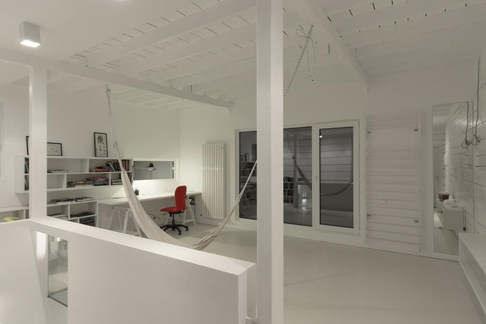 https://nbc-arhitect.ro/wp-content/uploads/2020/11/NBC-Arhitect-_-residences-_-Magenta-House-_-exterior-view_25.jpg